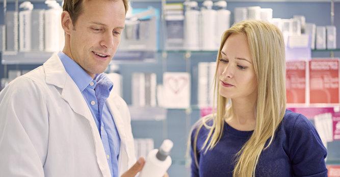 3 důvody, proč zajít do lékárny, když máte citlivou vlasovou pokožku