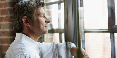 4 tipy, jak bojovat proti vypadávání vlasů u mužů