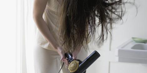 3 stylingové tipy pro řídnoucí vlasy
