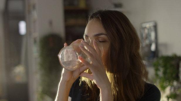 Zdravé návyky: proč podpora hydratace prospívá vaší pleti