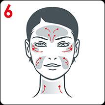 Pro cílené působení jemně masírujte oblast vějířků vrásek kolem očí, záhyby na tváři, dekolt, čelo a mračící vrásky.