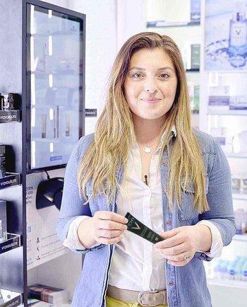 S Kristýnou z #ZaNormalniHolky za dermatoložkou a do lékárny! Co ovlivňuje problematickou pleť a jak vybrat vhodný make-up?