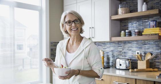 17 potravin pro vyvážený jídelníček v období menopauzy