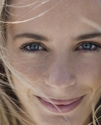Vrásky od smíchu: jak zmírnut vrásky okolo úst?