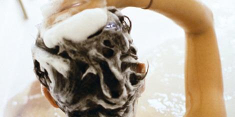 Jak pečovat o citlivou vlasovou pokožku