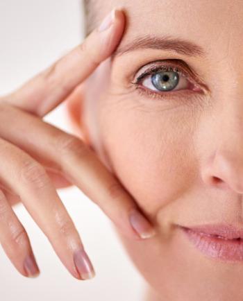 Jak menopauza ovlivňuje vaši pleť? Ztráta pevnosti, suchá pleť