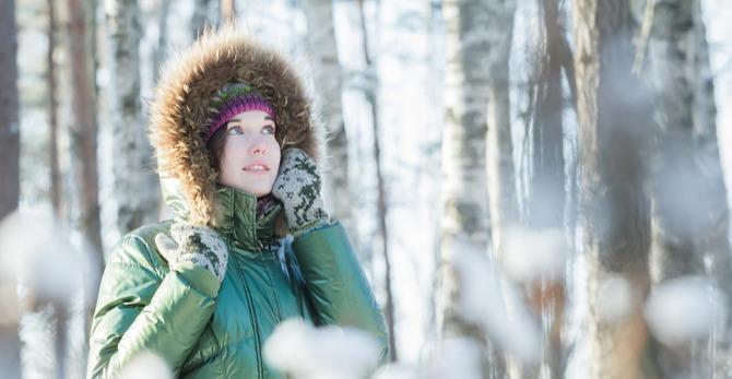 Akné v zimě: Jak pečovat o suchou pleť se sklonem k nedokonalostem?