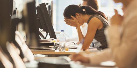 Akné a stres: tipy, jak být v klidu a mít vše pod kontrolou