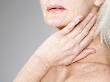 Proč je moje pleť během menopauzy tak suchá?